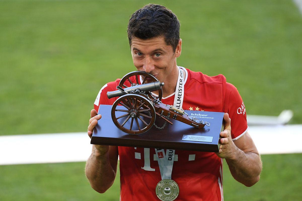 Robert Lewandowski is the Bundesliga's top scorer for the 5th time ...