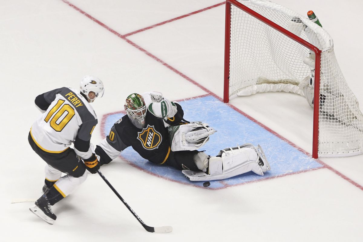 Here's Corey Perry failing to score.