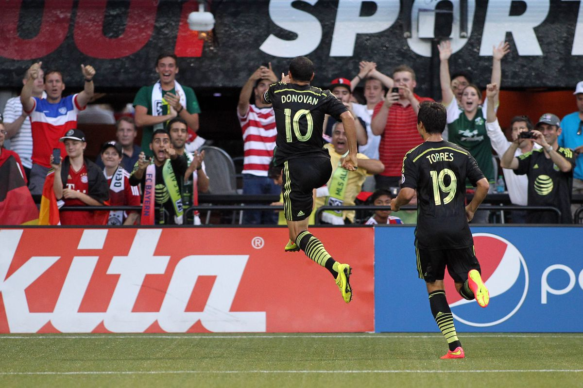 buy popular a713d 4c2bf Landon Donovan brings MLS All-Stars to victory - LAG ...