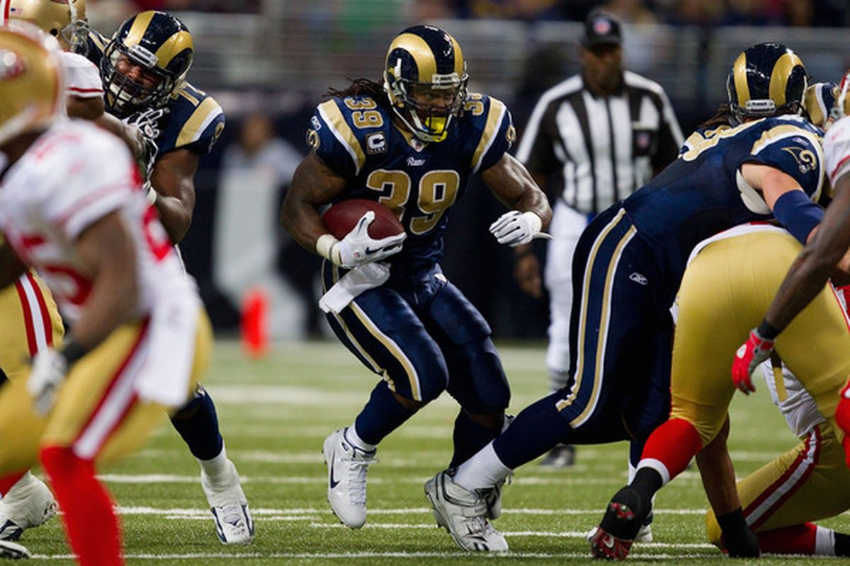 ST. LOUIS MO - DECEMBER 26: Steven Jackson #39 of the St. Louis Rams rushes against the San Francisco 49ers at the Edward Jones Dome on December 26 2010 in St. Louis Missouri. The Rams beat the 49ers 25-17. (Photo by Dilip Vishwanat/Getty Images)