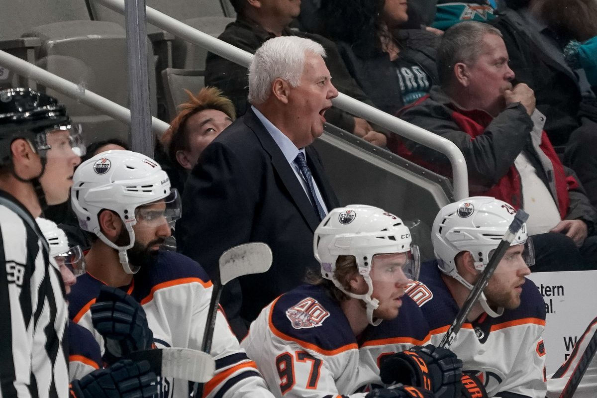Nov 20, 2018; San Jose, CA, USA; Edmonton Oilers head coach Ken Hitchcock yells in a game against the San Jose Sharks at SAP Center at San Jose.