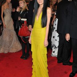How awesome does Vera Wang look in Gatorade yellow?