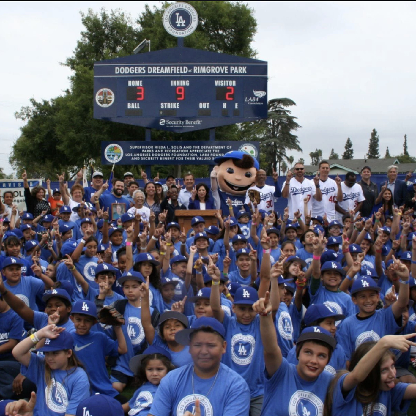 Dodgers Win 2020 Espn Sports Humanitarian Team Of The Year True Blue La