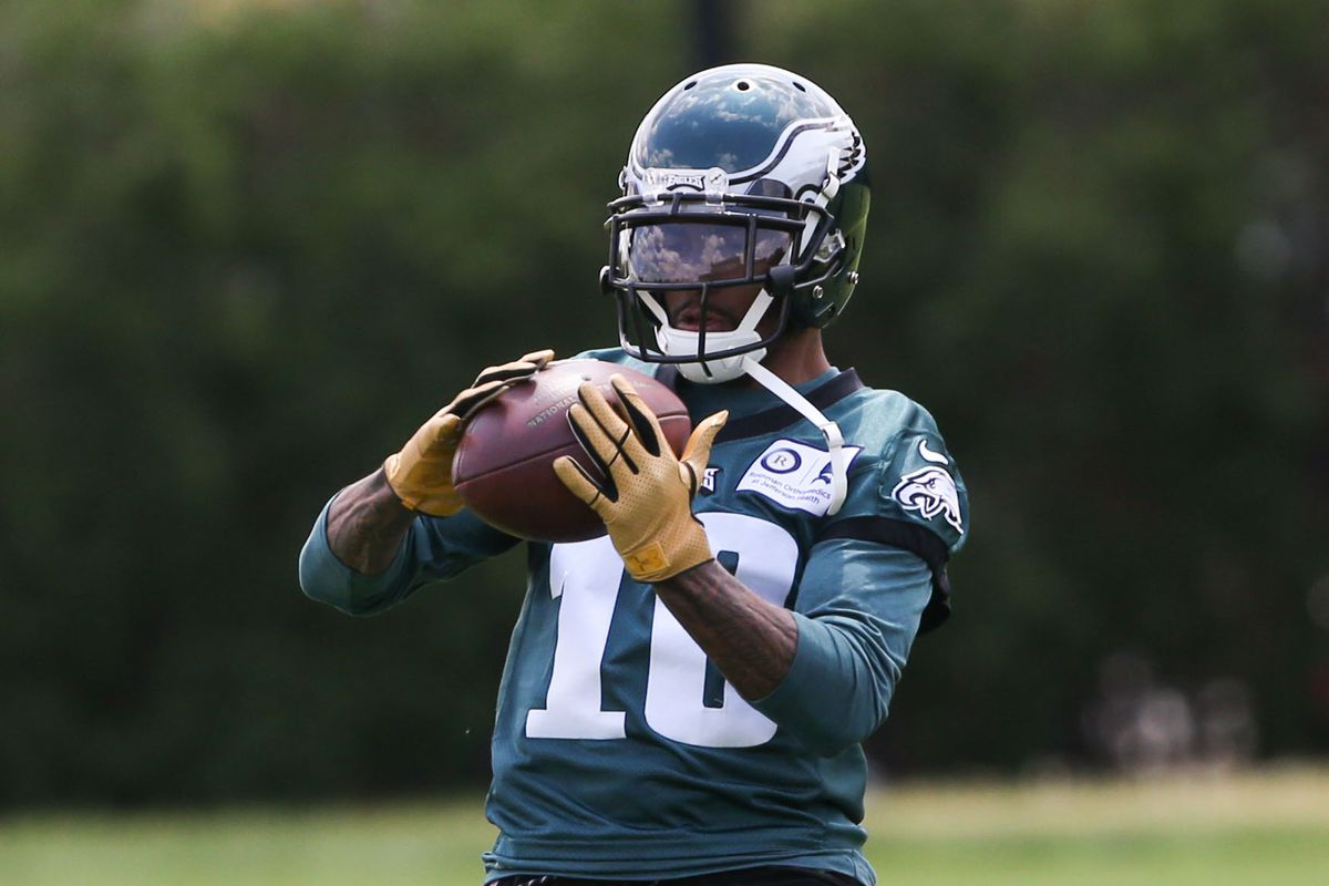 Eagles News: DeSean Jackson handed out food to homeless on