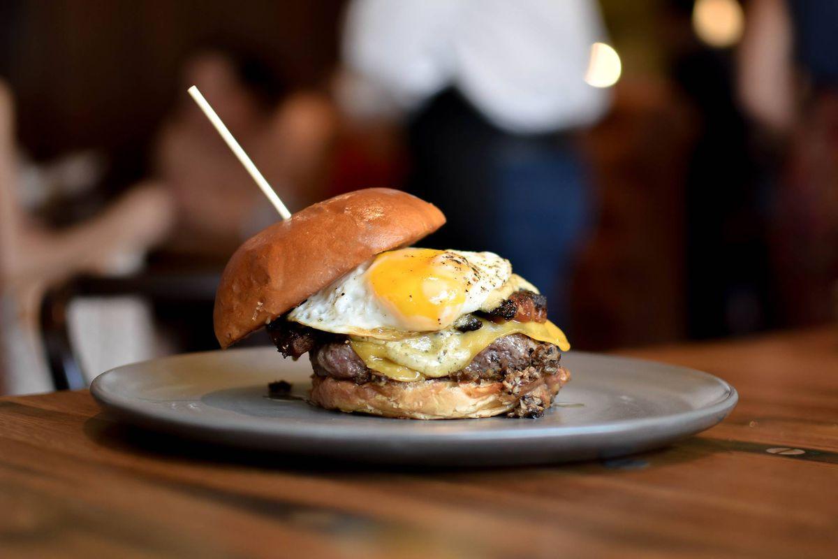 """""""Le Burger"""" at Bar Lyon"""