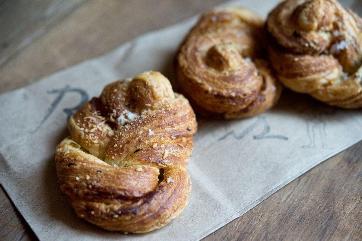 Roberta's Garlic Knots