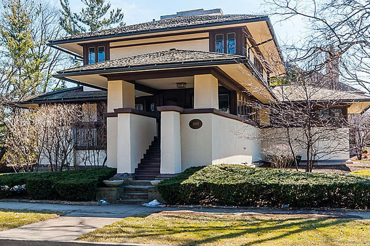 score frank lloyd wright 39 s f b henderson house for under 1m curbed chicago. Black Bedroom Furniture Sets. Home Design Ideas