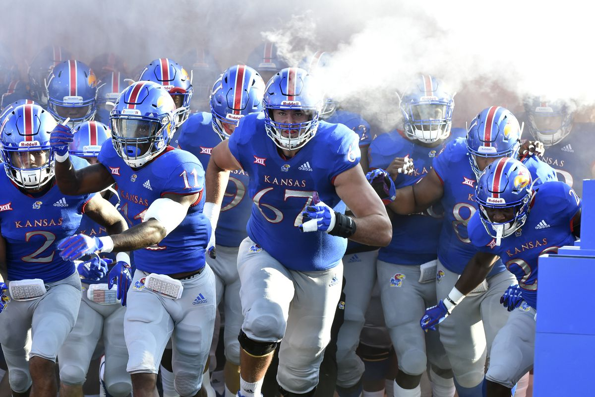 Kansas Vs Central Michigan Jayhawks Win First Road Game Since 2009