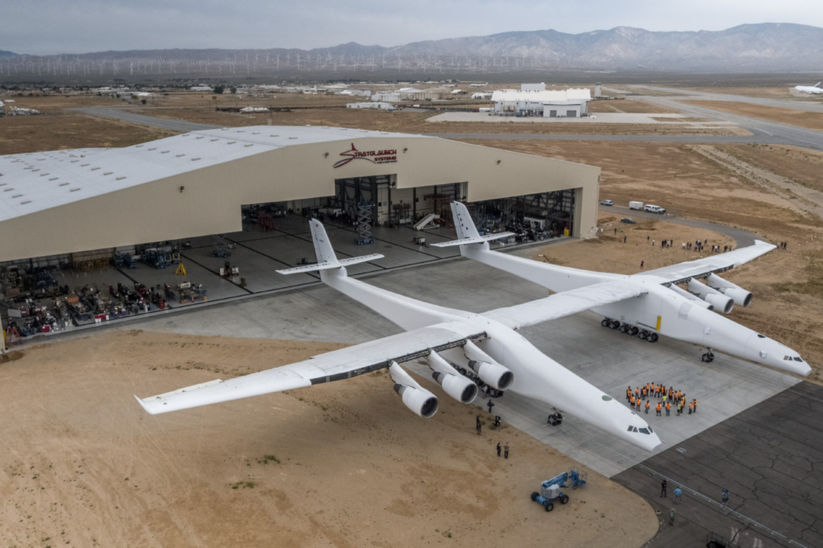 World's biggest airplane takes flight for the first time