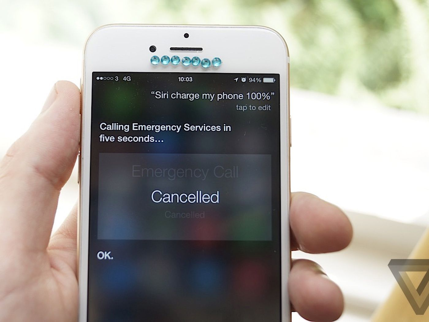 Asking Siri To Charge Your Phone Dials The Police And We Don T Know Why The Verge