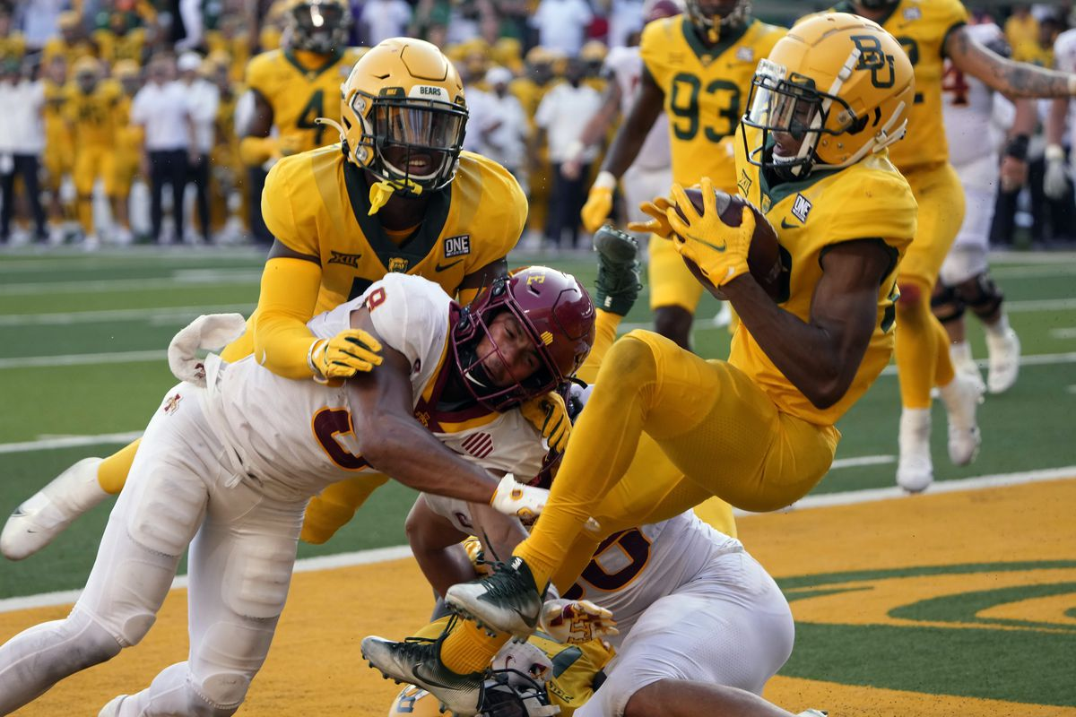 Baylor safety JT Woods (22) intercepts the ball in the end zone on a two-point conversion attempt by Iowa State.