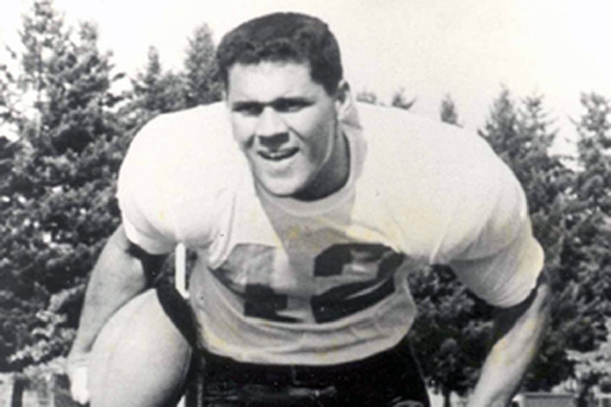 Joe Francis was one of the all-time Oregon St. greats, leading the Beavers to the 1957 Rose Bowl.