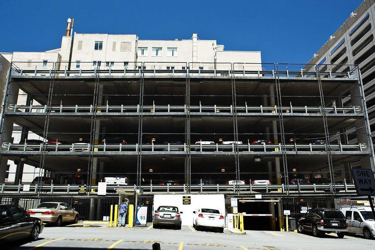 A photo of an ugly parking garage in downtown Atlanta.