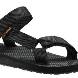 "<b>Teva</b> Original Universal Sandal in Black, <a href=""http://www.teva.com/women-sandals/original-universal/1003987.html?dwvar_1003987_color=CLT#icid=home_left_wimage&start=1&cgid=women-view-all"">$40</a>"