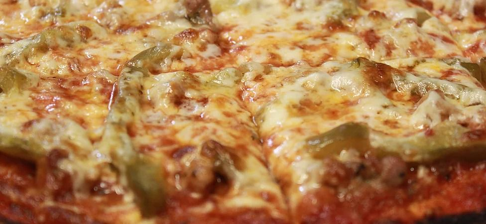 A tavern-style pizza.