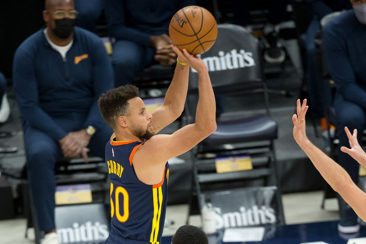 Golden State Warriors Steph Curry Passes Reggie Miller For Second Most 3 Pointers Made In Nba History Golden State Of Mind