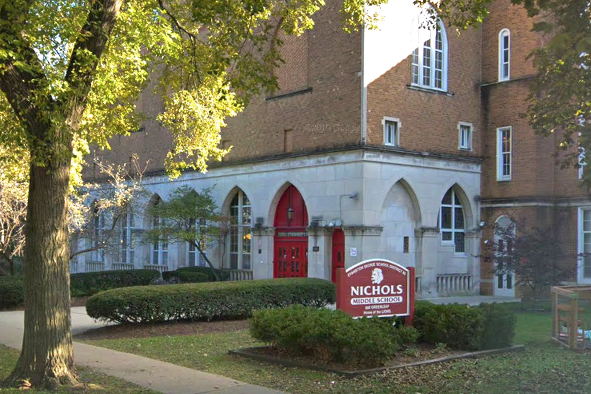 Evanston robbery: Teacher robbed at gunpoint outside Nichols Middle School