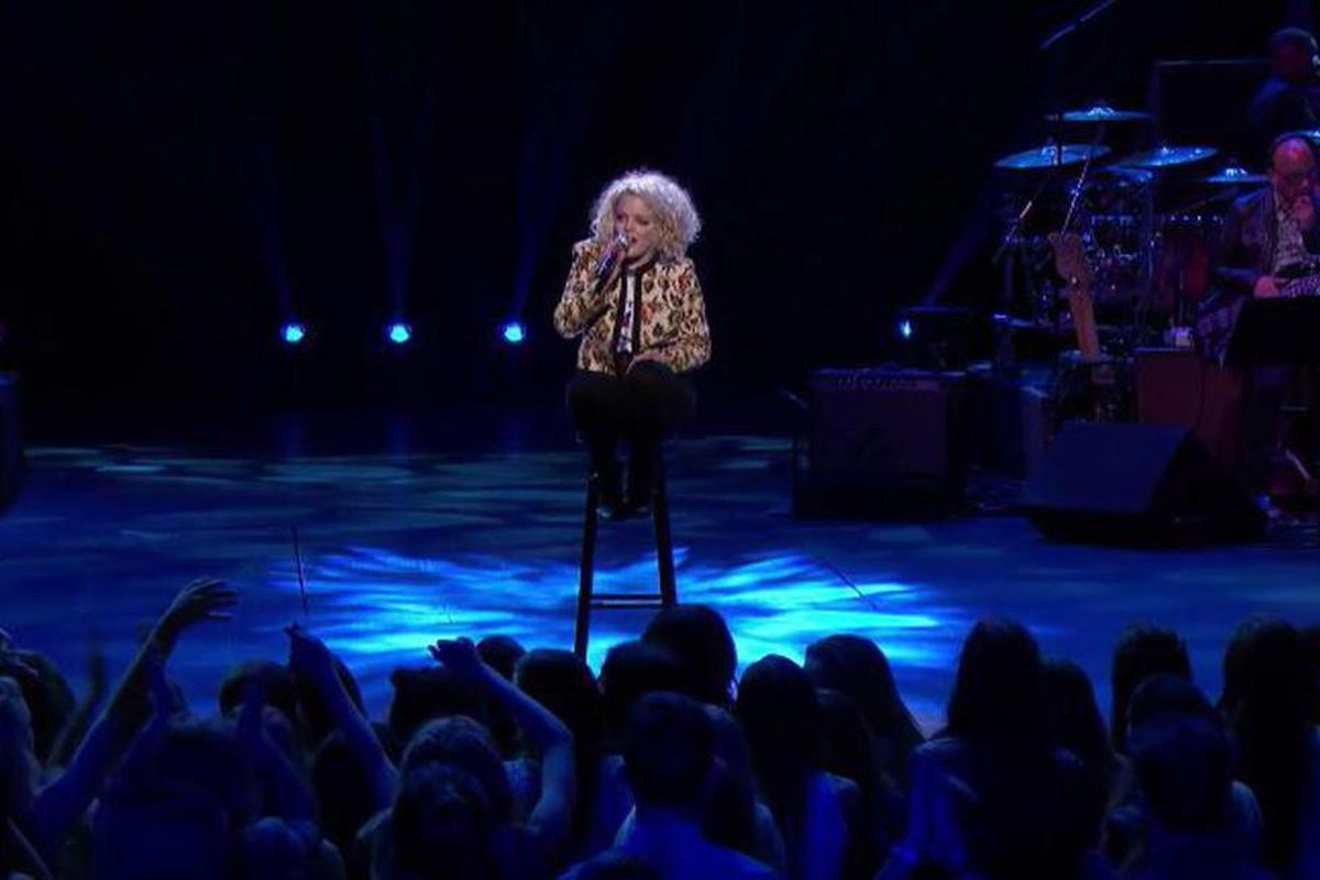 """Jenn Blosil performs """"The Hanging Tree"""" during the showcase round on """"American Idol."""""""