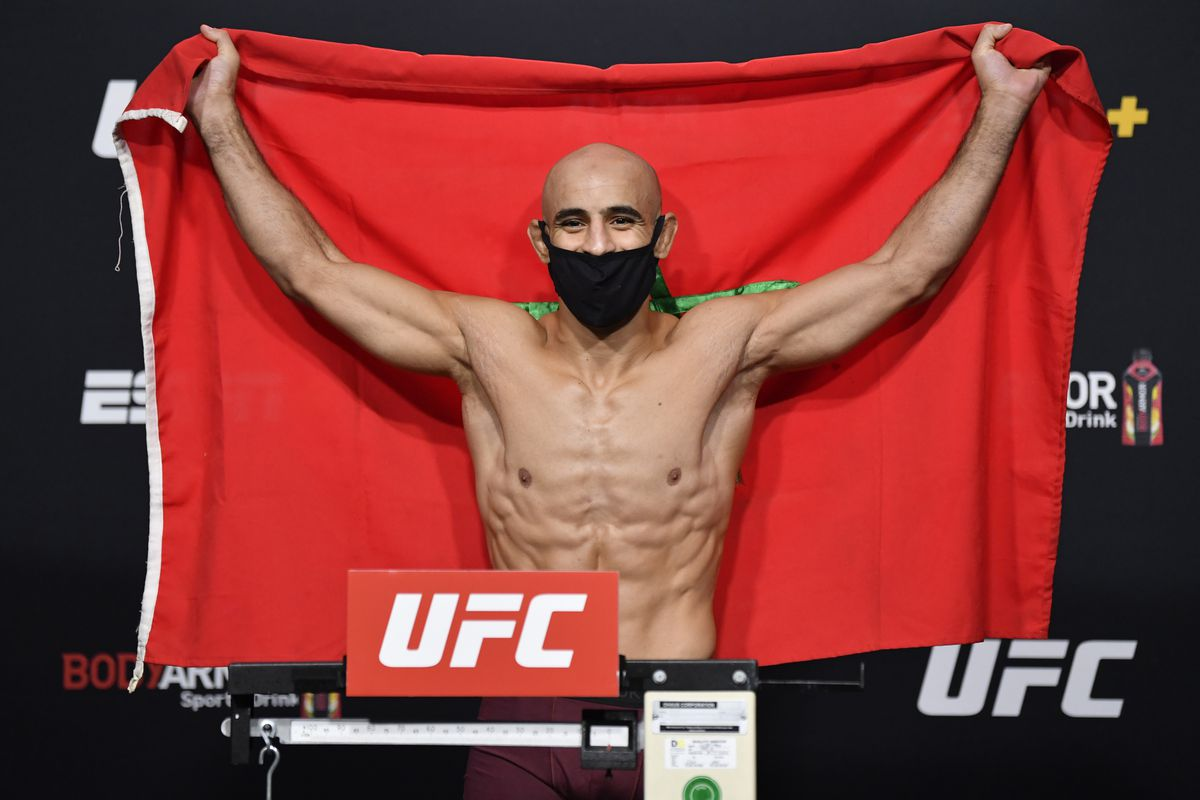 UFC Fight Night Waterson v Hill: Weigh-Ins