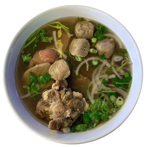 A bowl of beef pho.