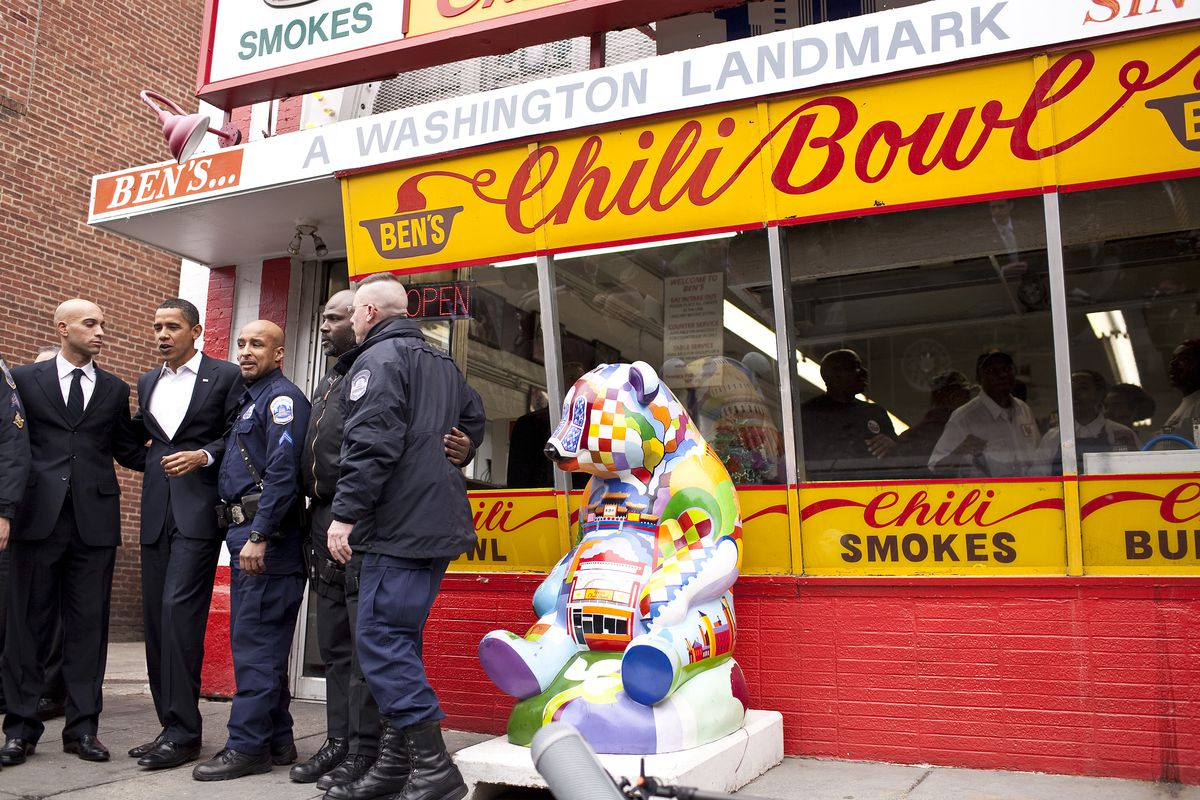 Obama Lunches At Ben's Chilli Bowl