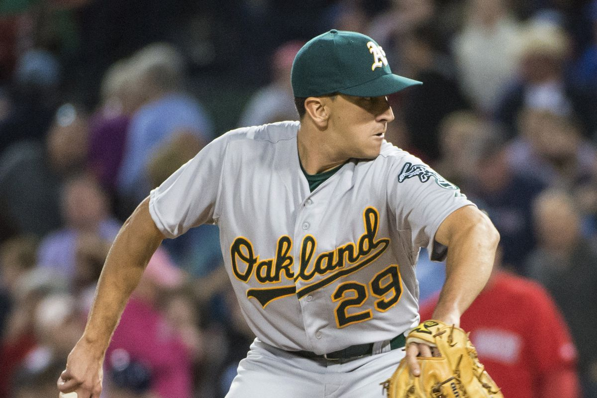Switch-pitcher Pat Venditte made his MLB debut, but then hit the DL almost immediately.