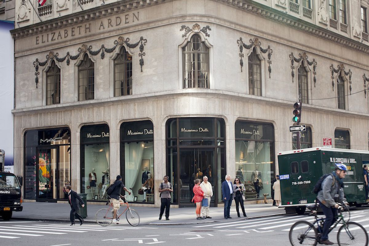 Massimo Dutti on Fifth Avenue. Photo by Brian Harkin