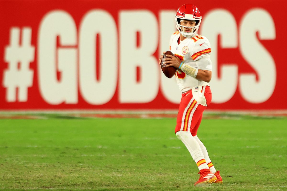 Patrick Mahomes #15 of the Kansas City Chiefs looks to pass in the fourth quarter during their game against the Tampa Bay Buccaneers at Raymond James Stadium on November 29, 2020 in Tampa, Florida.