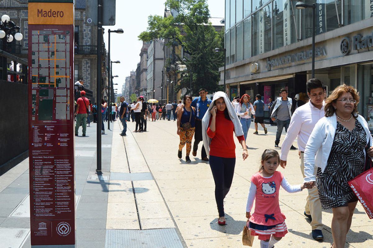 Putting Ped Back Into Pedestrian With >> Walkable Cities Are Saving Lives New Video Shows Curbed