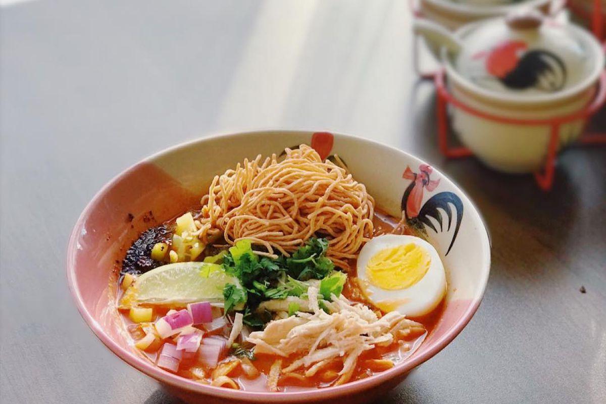 Khao soi at Dakzen