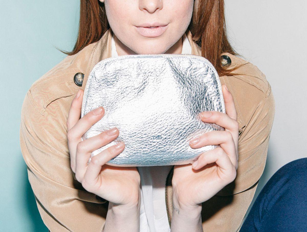 toni-metallic-cosmetic-bag