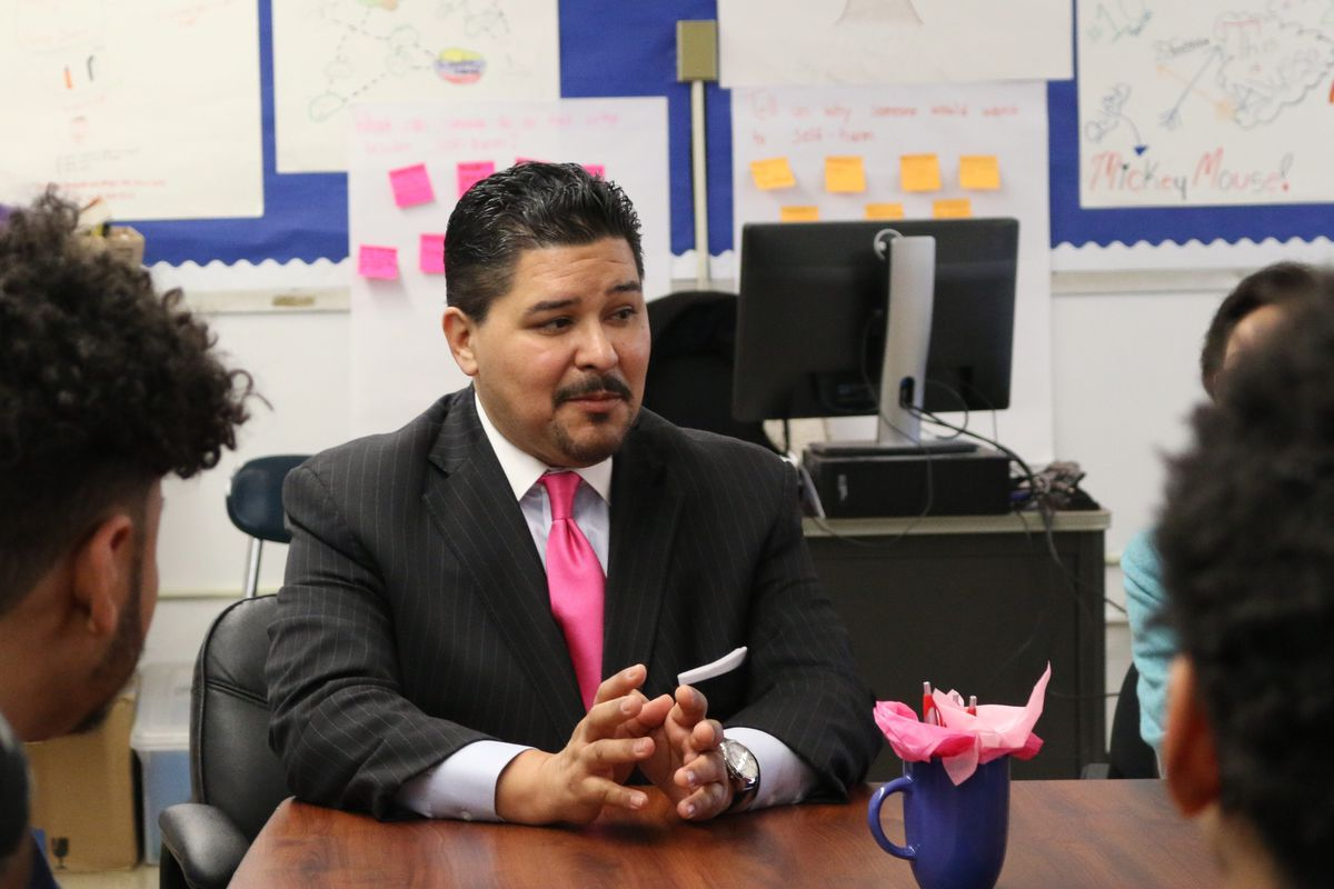 Chancellor Carranza speaks to students at Orchard Collegiate Academy.