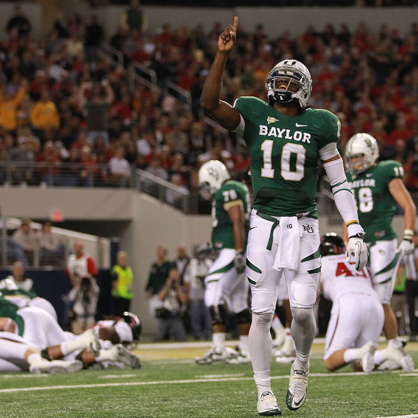 2012 NFL Mock Draft: Who Trades Up For Robert Griffin III