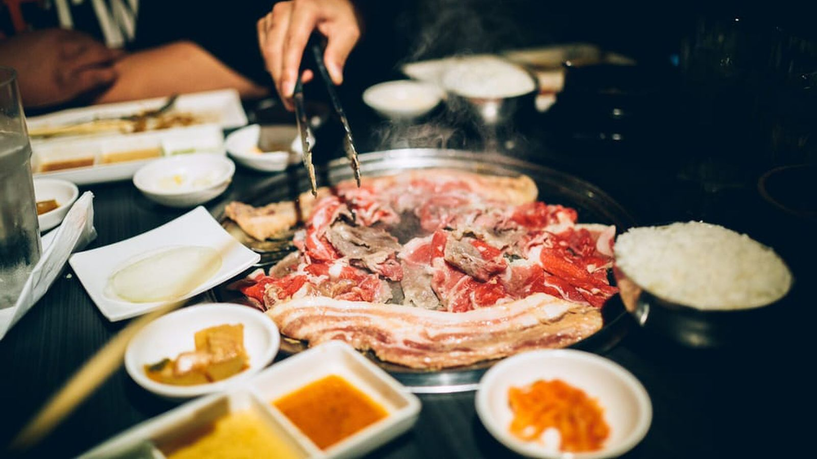 This New Robot-Powered Korean BBQ Restaurant Might Mean LA ...