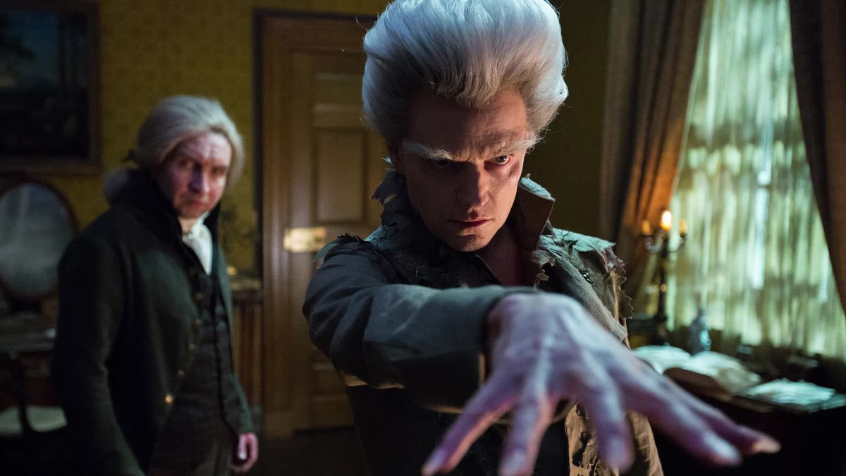 Gilbert Norrell (Eddie Marsan)andThe Gentleman (Marc Warren)inJonathan Strange & Mr Norrell (2015)