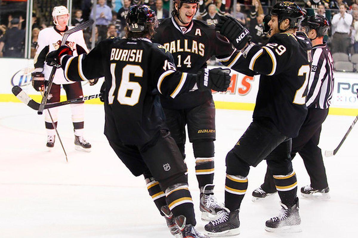 "via <a href=""http://www.myhockeyshots.com/DallasStars2011-2012Season/Games/022912-Stars-vs-Penguins/i-5zh9PhQ/0/M/MG3043-benn-goal-M.jpg"">www.myhockeyshots.com</a>"