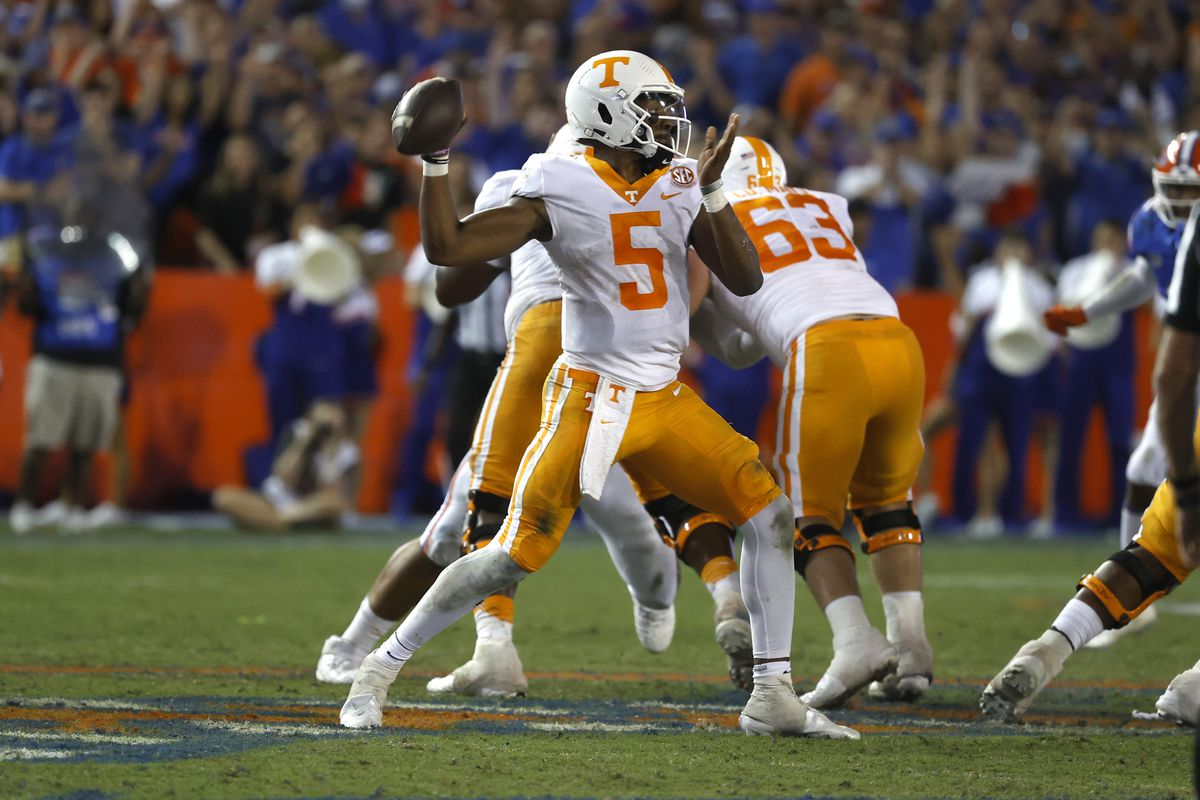 Tennessee Volunteers quarterback Hendon Hooker throws the ball against the Florida Gators during the third quarter at Ben Hill Griffin Stadium.