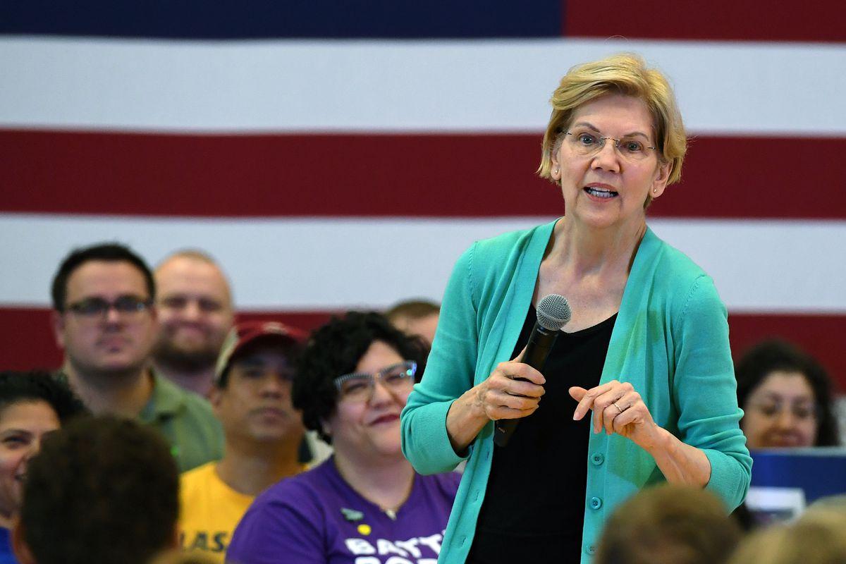 Presidential Candidate Sen. Elizabeth Warren Participates In Las Vegas Community Conversation