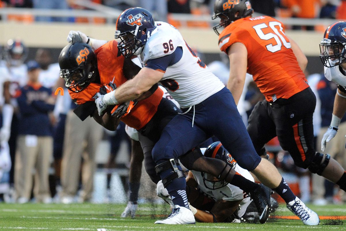 Jason Neill and the UTSA defensive line failed to provide a pass rush against Big XII competition