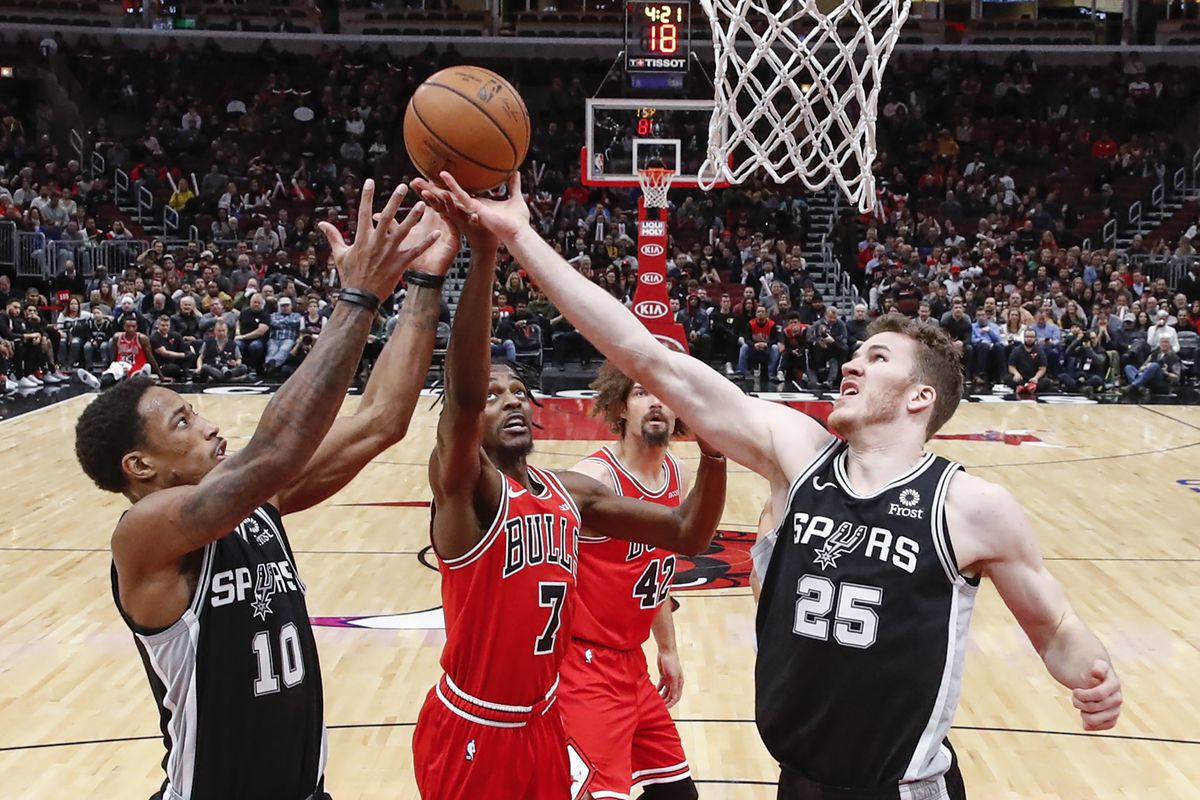 2f54c438a66 Bench saves Spurs from embarrassing loss to the Bulls - Pounding The ...