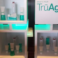 TruAge Skin also used their hi-tech skin reading machine to guess gift lounge attendees' real age.