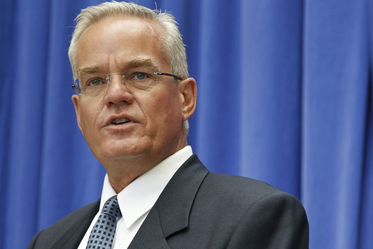 Christmas Comes To Willow Creek.Bill Hybels S Heir Resigns From Willow Creek Church Over