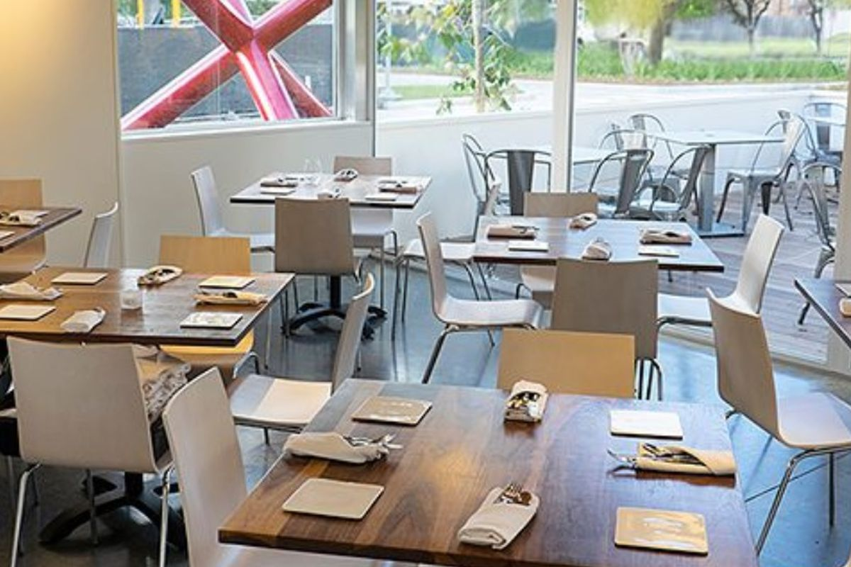 Bistro Menil: your new afternoon tea spot.