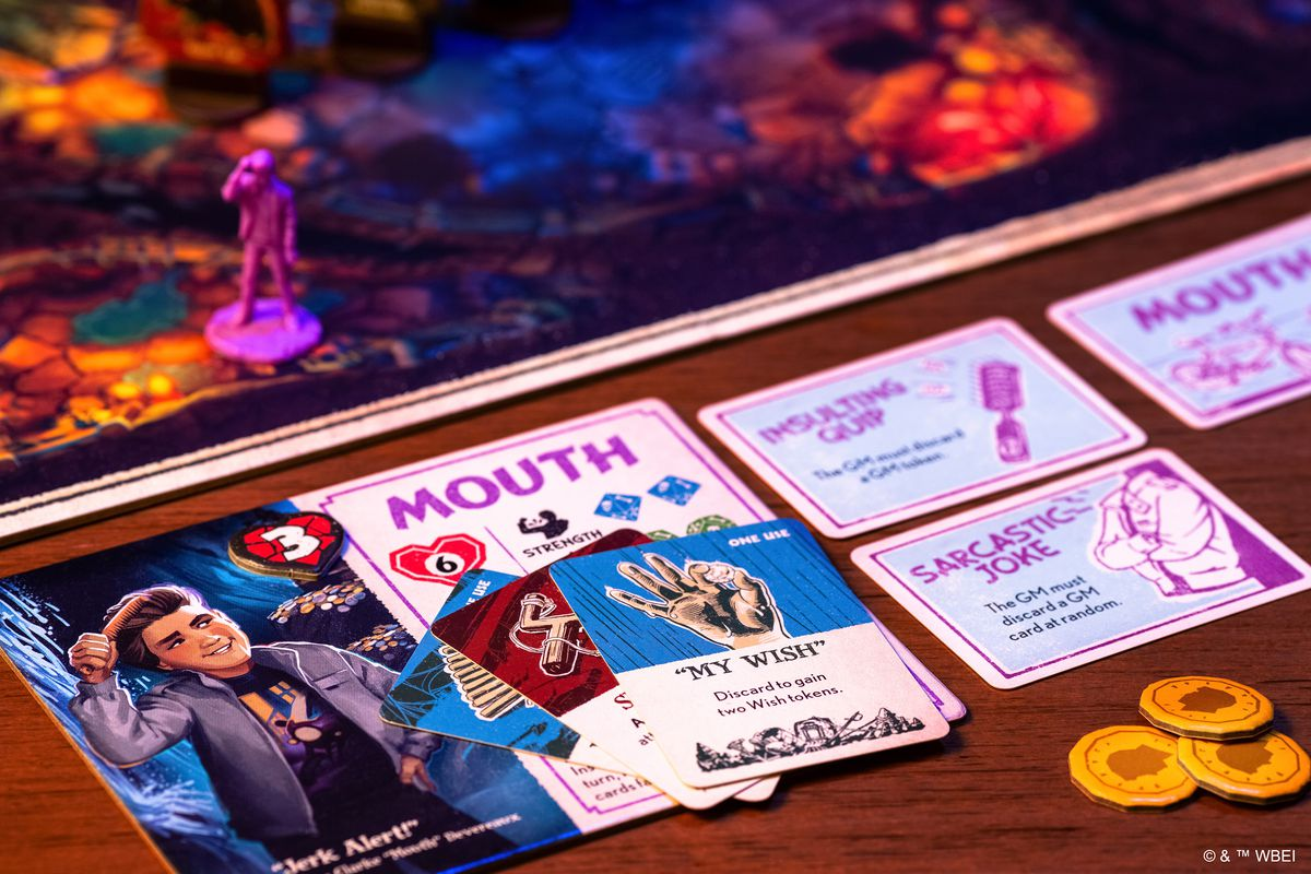 The sideboard for Mouth includes a few powers and some coinage, plus a small hard of cards to play.