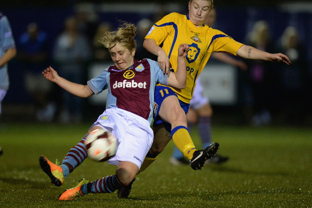 Sherry McCue of Aston Villa and Bethany England of Doncaster Rovers Belles go head-to-head - Tony Marshall - The FA (via GettyImages)
