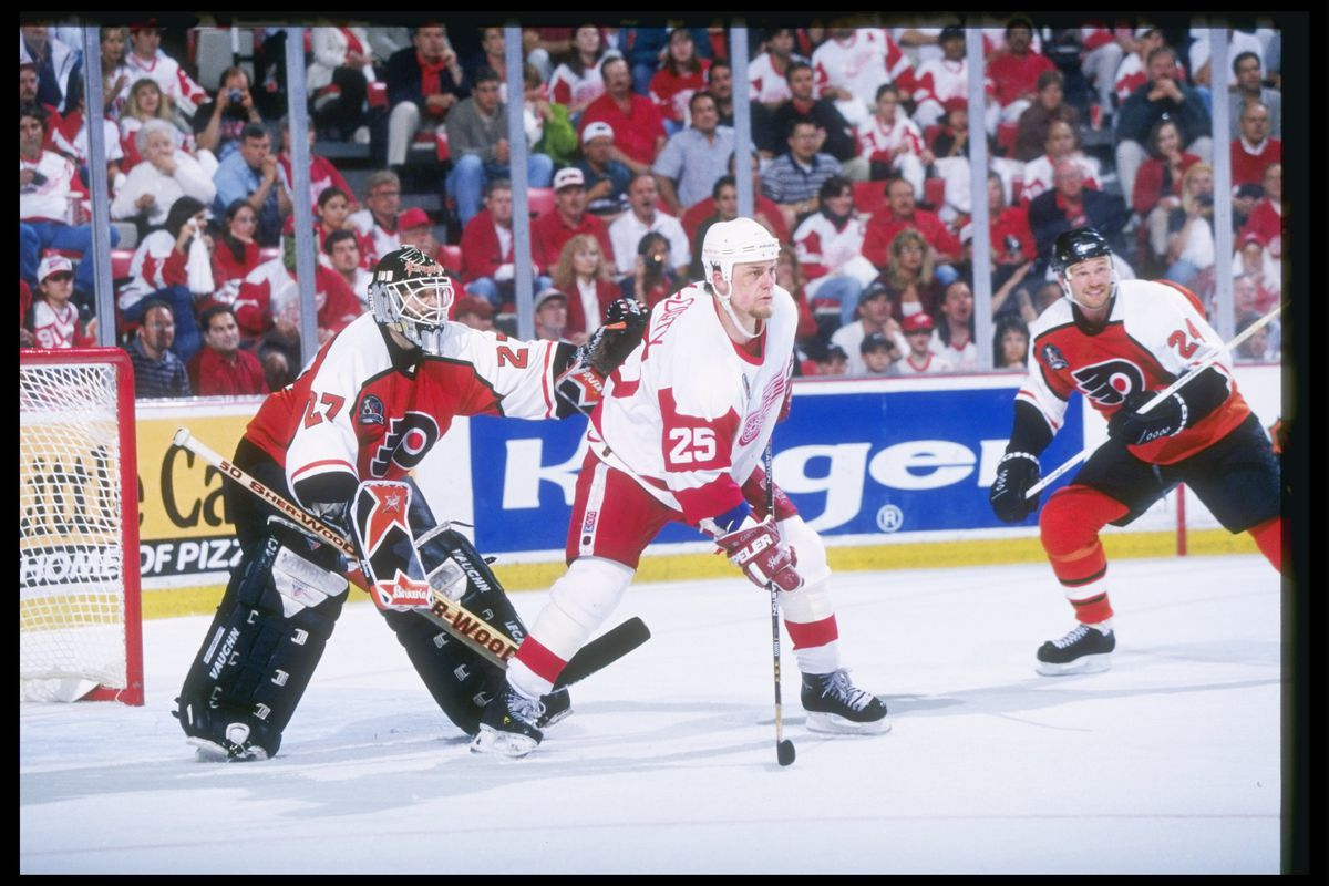 Flyers V Red Wings