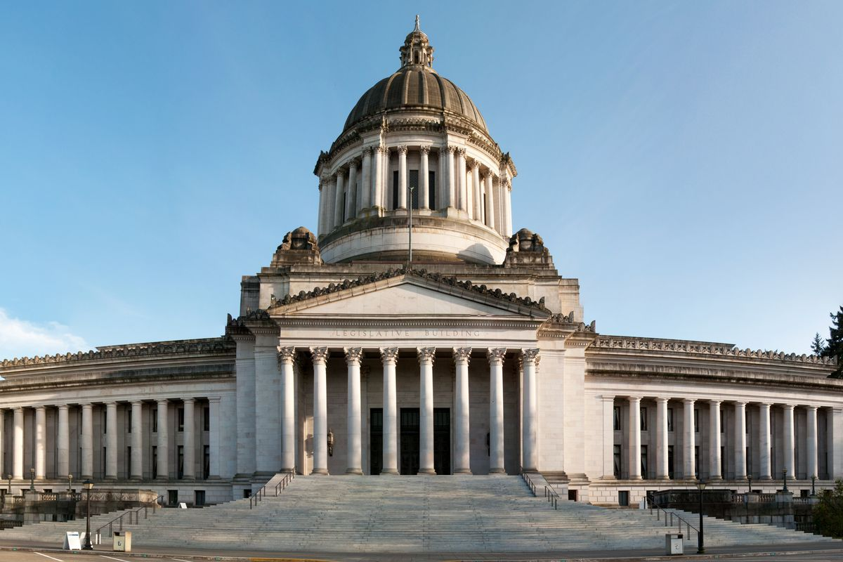 The capitol building in Olympia, Washington, on a clear sunny day
