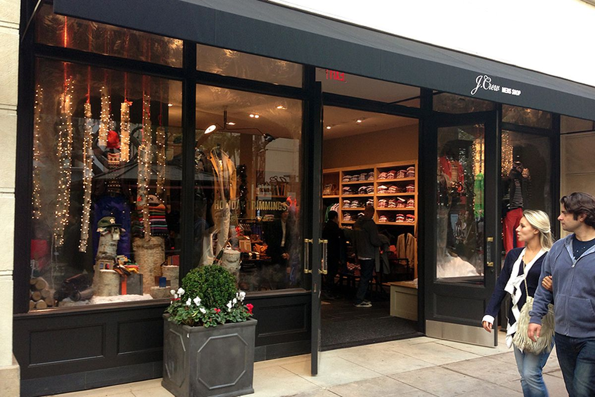 """Image via <a href=""""http://www.laimyours.com/33157/inside-the-new-j-crew-mens-store/"""">LA, I'm Yours</a>"""