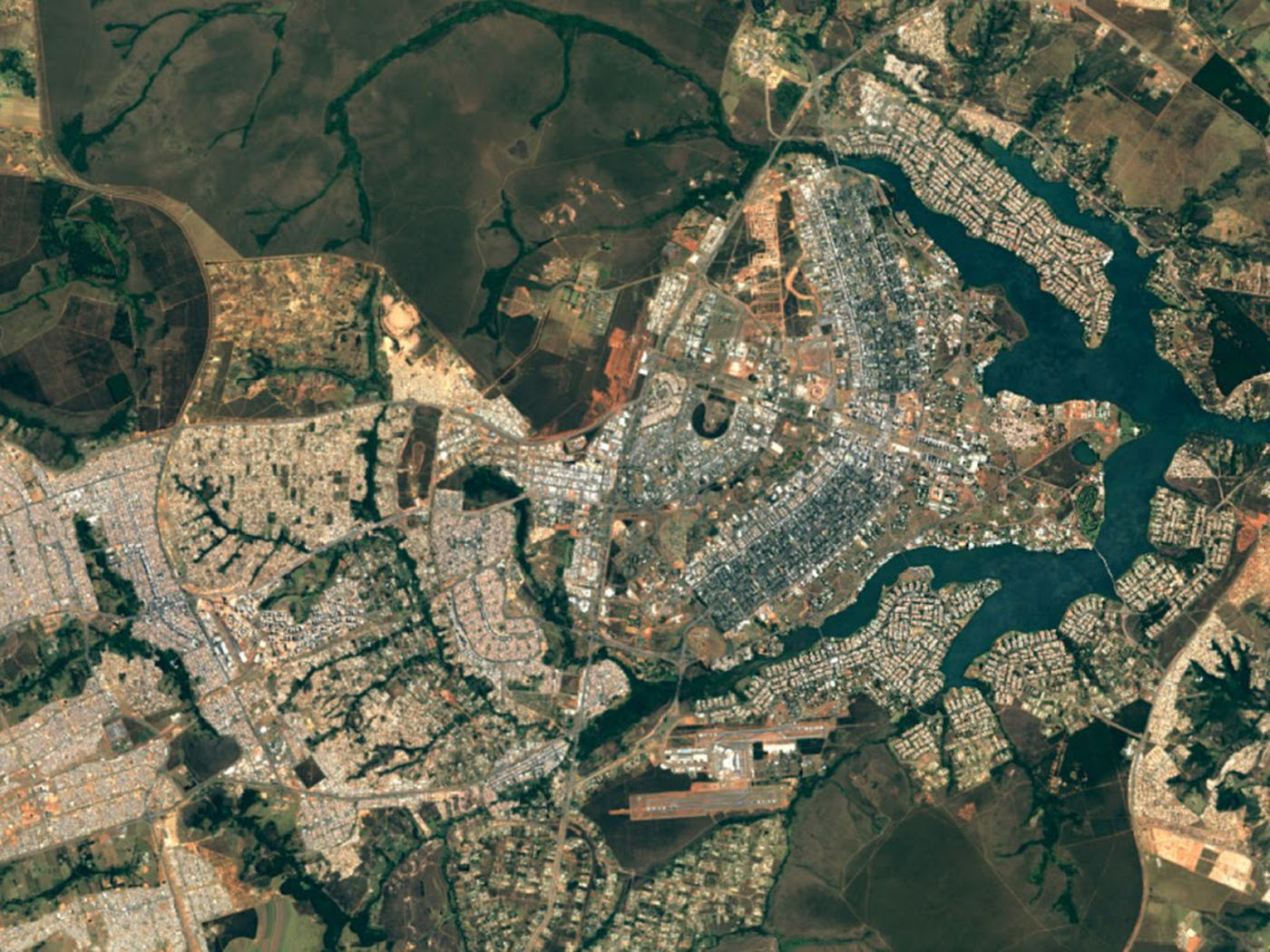 Google Updates Maps And Earth Apps With Super Sharp Satellite Imagery The Verge