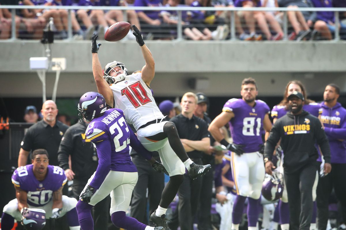 Nfl Week 14 Sunday Schedule Vikes Bucs In Wild Card Battle Bills Steelers In Prime Time Acme Packing Company